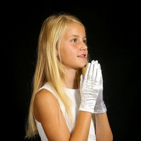 G62 Communion Gloves